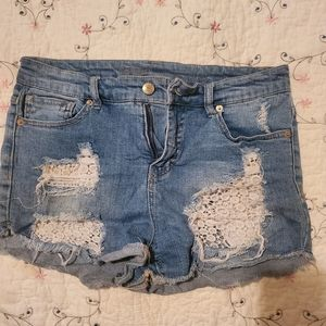 ♡ distressed lace jean shorts